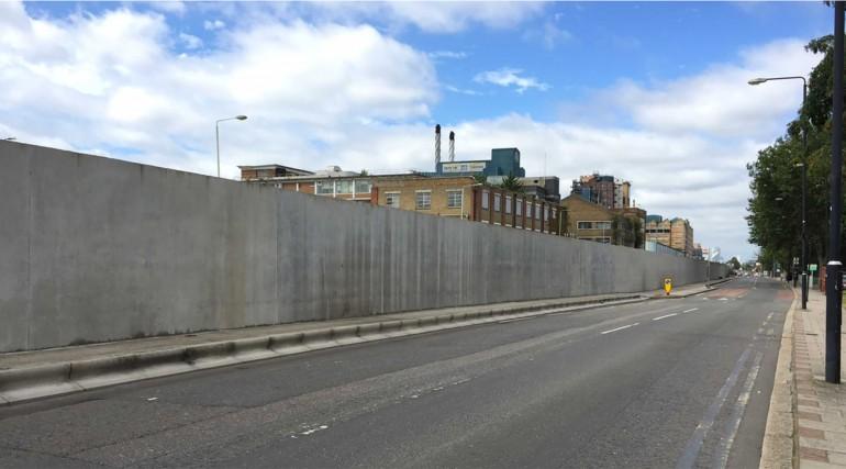 Newham trackside wall